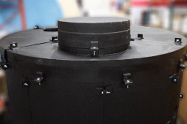 Dragon Jacket Insulation 1000 Gallon Tank Insulation System DJS1™ Black Closeup View of Roof